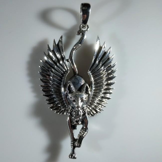 Бастет с крыльями