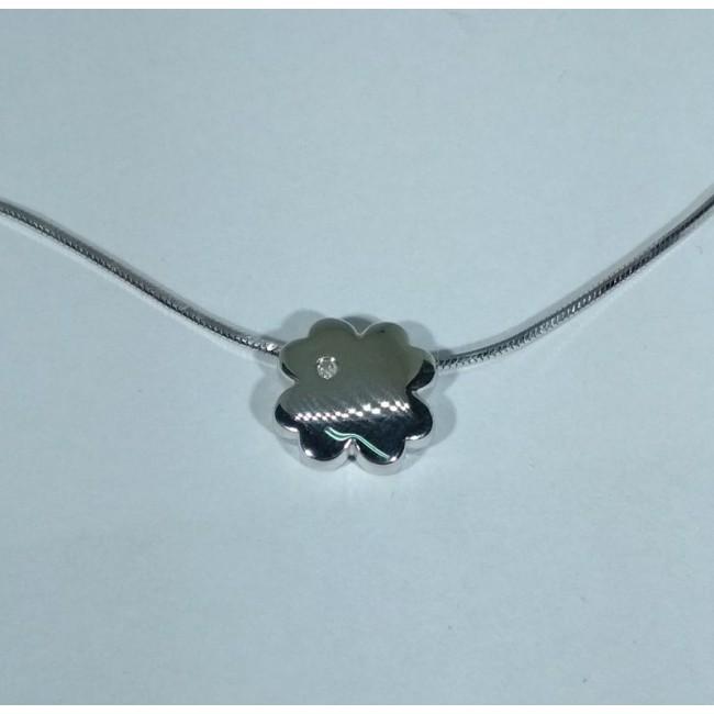 Колье серебряное с бриллиантом