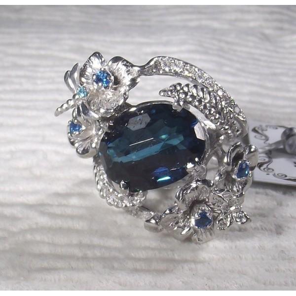 Кольцо серебряное с кварцем