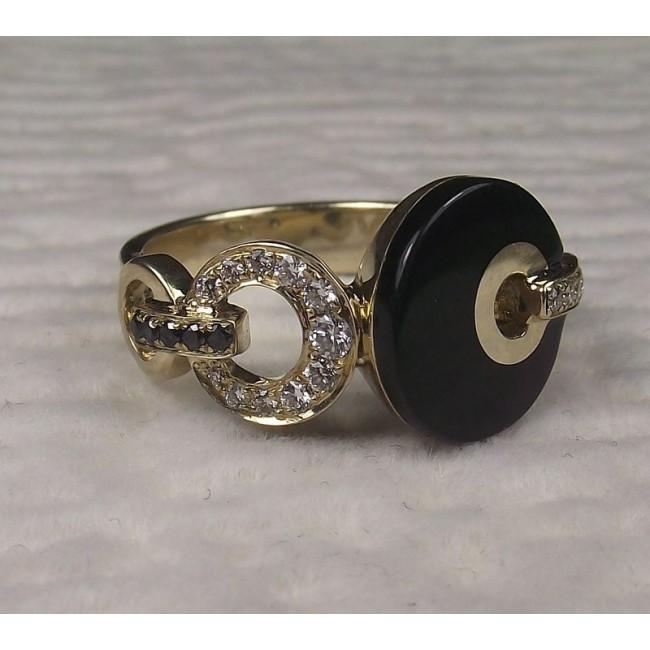 Кольцо золотое с черной эмалью и бриллиантами.