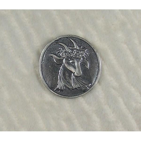 Монета на счастье с козой