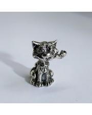 Кошка с трубкой
