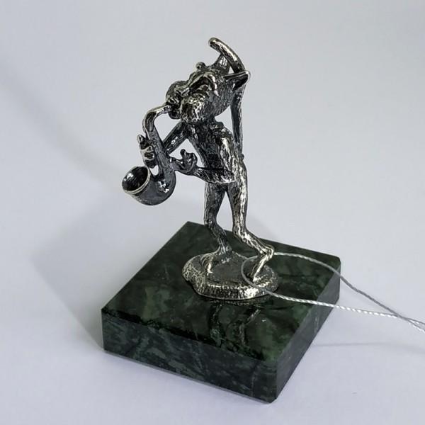 Заяц саксофонист